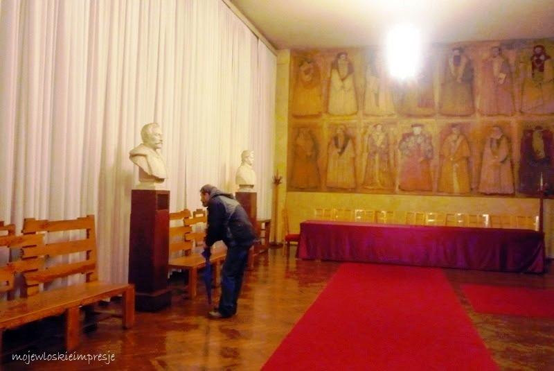http://przewodnicyzamosc.pl/hosting/imgs/97160_0.popiersie Zamoyskiego wg Madeyskiego.JPG